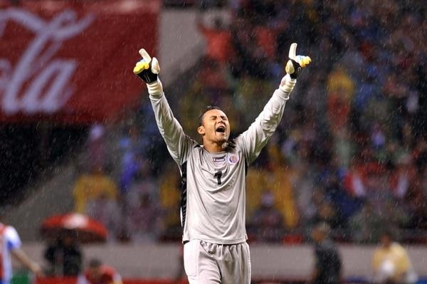 Keylor Navas tiene cuatro partidos de no recibir un gol con la Sele . | AFP