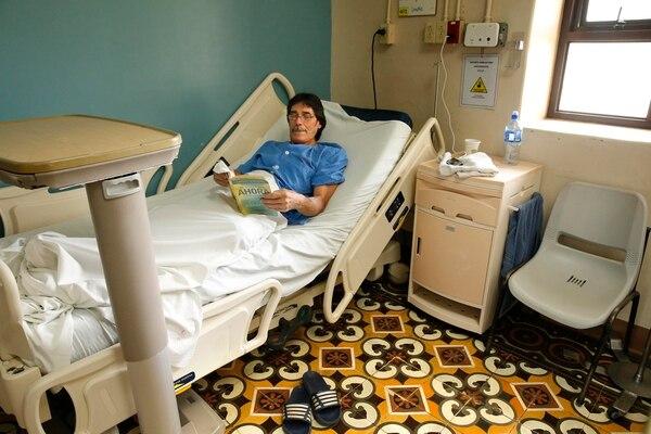 Johanning aseguró que se mantendrá en el hospital el tiempo que deba esperar, hasta que le puedan hacer la cirugía. Foto: Albert Marín.