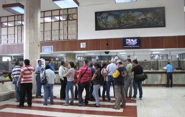 Tr mites para visas revisi n vehicular y pensiones consulte los horarios la naci n - Oficina seguridad social granada ...