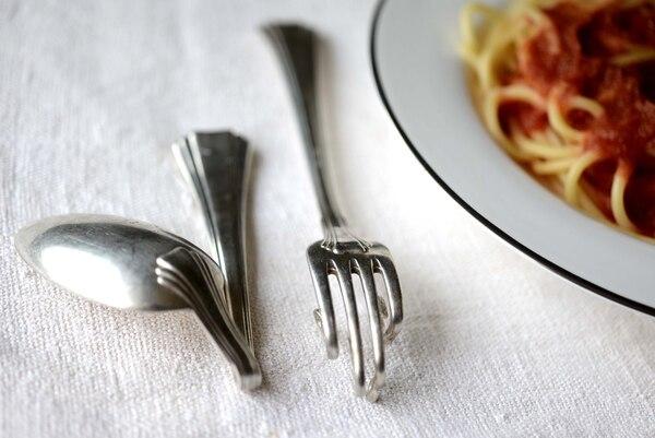 Dentro de los trastornos alimentarios más comunes está la anorexia (dietas estrictas y ayunos) y la bulimia, comer en exceso y luego vomitar o purgarse. | SHUTTER STOCK PHOTOS