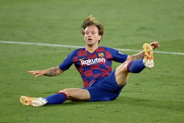 Ivan Rakitic marcó su primer gol en lo que va de la Liga de España. El tanto del croata le dio el triunfo a los culés. Fotografía: CRISTINA QUICLER / AFP.