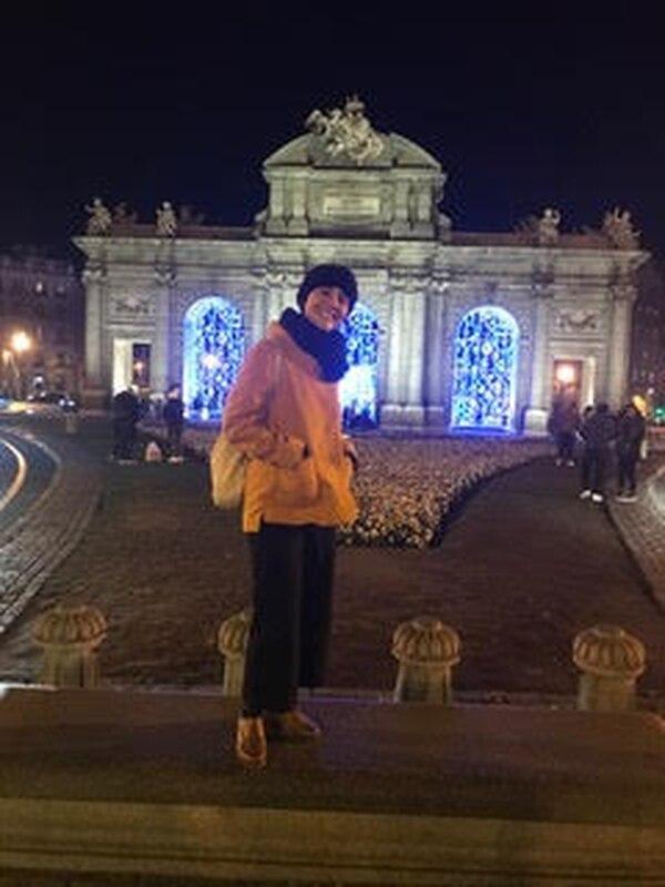 María José Otárola en la Puerta de Alcalá.