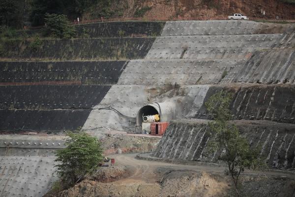 El Tribunal Contencioso estudia una petición para demoler la represa del proyecto hidroeléctrico desarrollado por Hidrotárcoles en Turrubares. Foto: Jeffrey Zamora.