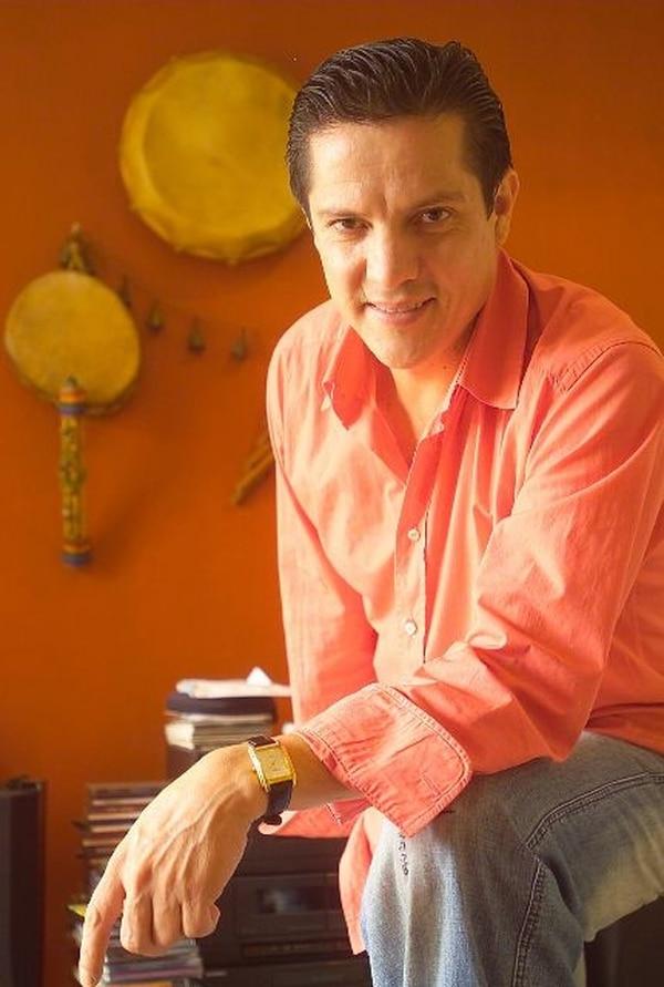 El costarricense Edín Solís es compositor y guitarrista. Archivo.Músico.