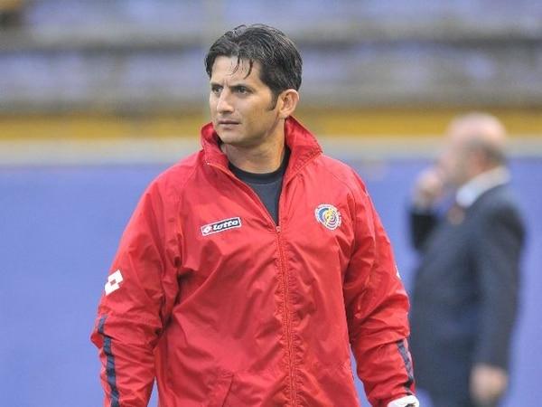 El técnico del Comunicaciones, Rónald González, desmintió tener algún vínculo con el Deportivo Saprissa.   ARCHIVO