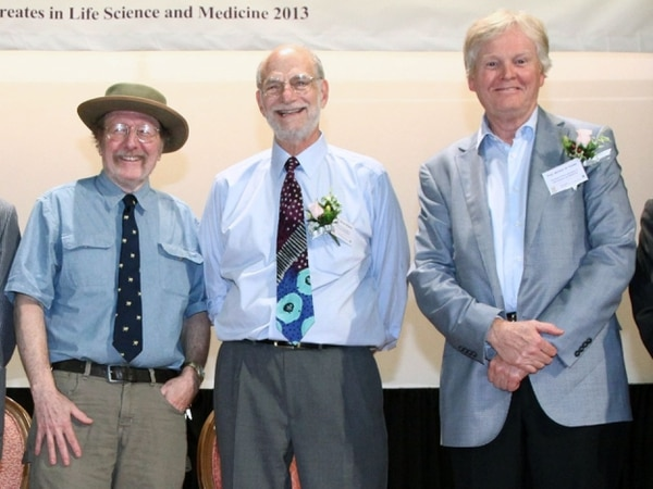 Los genetistas Jeffrey C. Hall, Michael Rosbash y Michael W. Young fueron reconocidos con el premio Nobel de Medicina 2017.