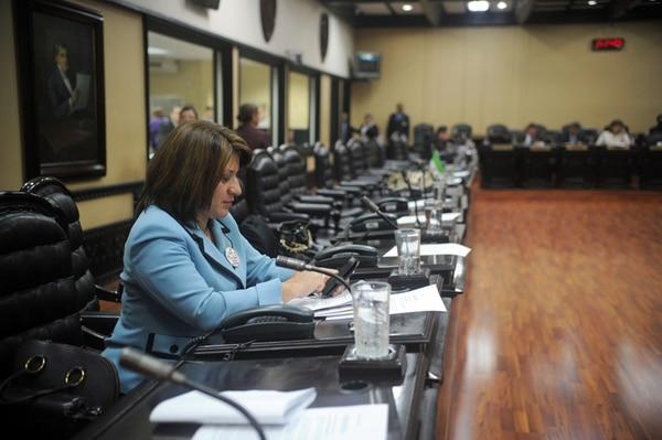Los diputados deben asistir al plenario y a comisiones legislativas. Siany Villalobos, subjefa del PLN, estuvo en el plenario el lunes. | ALONSO TENORIO.