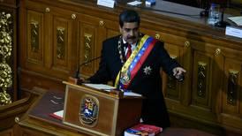 Nicolás Maduro anuncia contraofensiva tras denunciar intento de magnicidio