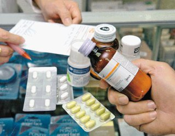 Los médicos insisten en que todo tratamiento con antibiótico debe cumplirse al pie de la letra. Fotografía: Archivo LN