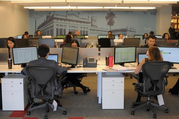 El nuevo centro de servicios tiene 130 empleados y contratará a 20 más en tres meses. La meta es de 200 plazas al final del 2015. | JOSÉ DÍAZ