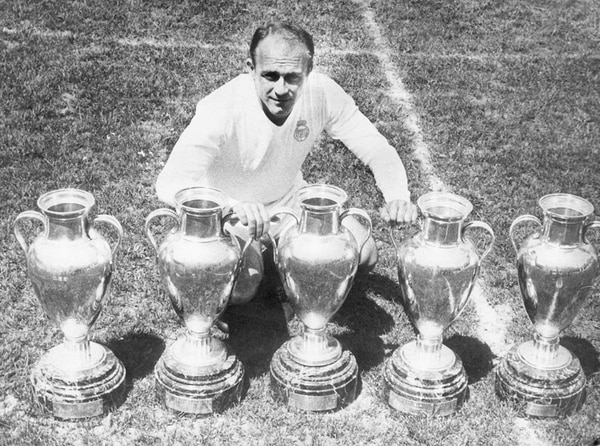 Con Di Stéfano el Real Madrid se hizo un gigante europeo. Ganó las primeras cinco ediciones del campeonato del Viejo Continente, sentando desde un inicio precedente inalcanzables. En total, fueron 19 los títulos alcanzados.