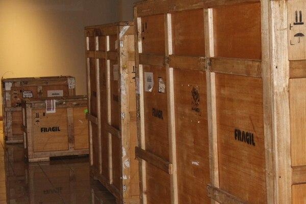 Las obras permanecerán en guacales durante tres días, mientras se inicia el montaje de la exhibición. Foto: cortesía CCCC.