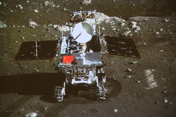 China logró restablecer la comunicación con Yutu . Sin embargo, aún resta solucionar fallas mecánicas. El aparato posee un brazo mecánico. | AP.