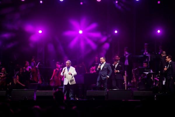 Armando Manzanero interpretó varias de sus canciones con la agrupación costarricense. Lo hizo acompañado con la big band y también con su piano. Foto: Eyleen Vargas/ Ojo por Ojo