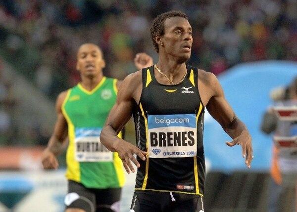 La mejor marca de Nery Brenes es de 44:65 realizada en Madrid, España, en el 2016. El campeón mundial bajo techo en Turquía 2010 cronometró el año anterior 45:00. Grupo Nación