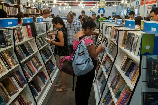 La XV Feria Internacional del Libro se iniciará mañana y las editoriales independientes ofrecen novedades en todos los géneros. El país invitado es Estados Unidos. | ARCHIVO/FABIÁN HERNÁNDEZ
