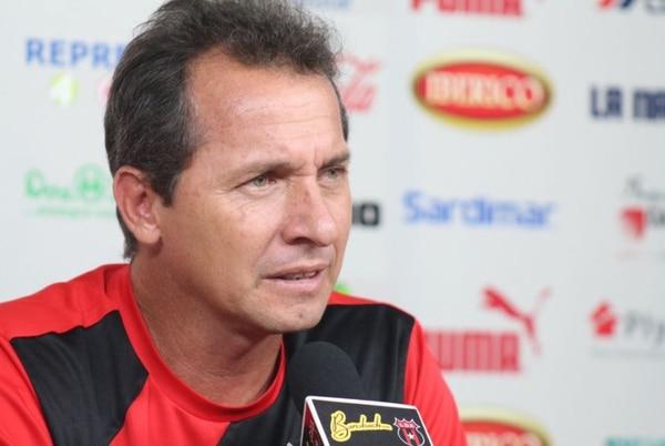 Wílmer López asegura que en la Liga se entrenan con motivación, pese a la derrota del sábado contra Saprissa.