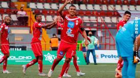 Santos golea a un inofensivo Sporting y se afianza como sublíder del Torneo de Apertura