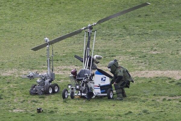 El pequeño helicóptero fue revisado ayer en el Capitolio. | EFE