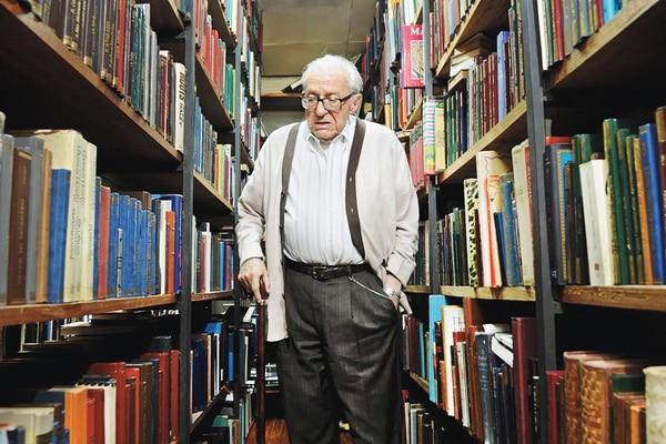 Alberto Cañas Escalante (1920-2014) fue un lector voraz. Como escritor se destacó en varios géneros: novela, cuento y piezas teatrales. | ARCHIVO