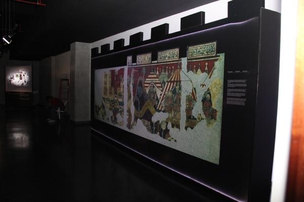 La exposición 'El esplendor de los castillos medievales catalanes' se instaló en la sala de exposiciones temporales del Museo del Jade. Cortesía INS.