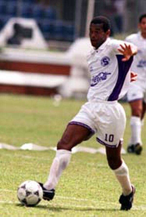 A partir del próximo lunes Juan Arnoldo Cayasso se integrará a los entrenamientos de Turrialba.