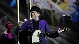 Joaquín Sabina sale de cuidados intensivos tras su caída en un concierto