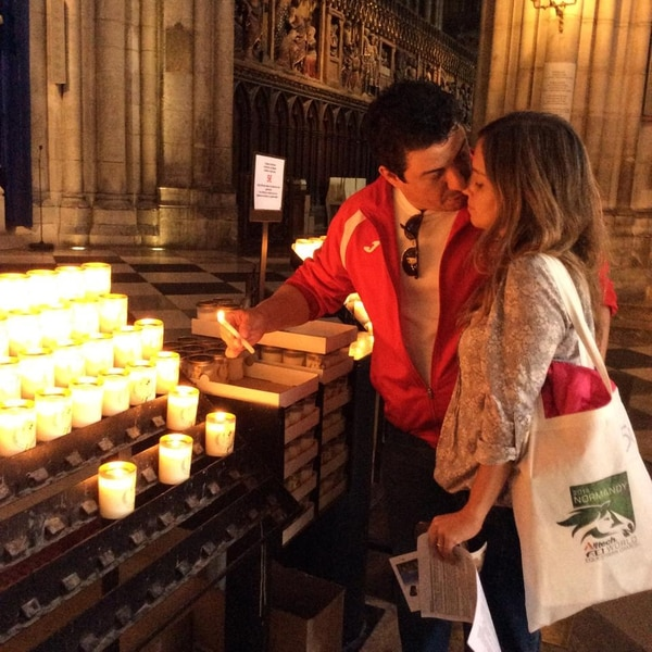 Juan Diego Villegas posteó esta imagen con su esposa.