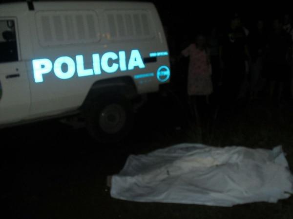 El cuerpo del hombre fue trasladado a la morgue judicial. | JULIO SEGURA
