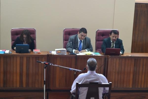 El investigador del OIJ, Rónald Lobo, rindió su declaración ante los jueces del Tribunal de San Ramón | MARÍA SALAZAR.
