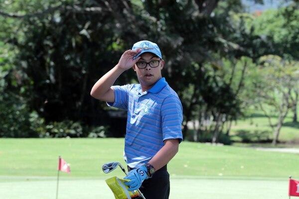 Jafeth López, de tan solo 18 años, obtuvo la medalla de oro en el Macau Golf Masters, que tiene como sede Hong Kong, China. Fotografía: Alonso Tenorio