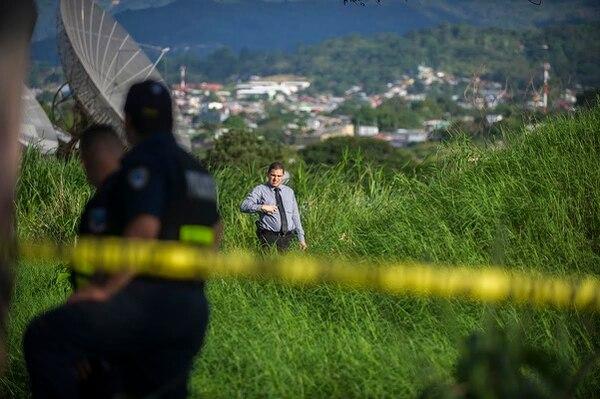 La Policía Judicial levantó el cuerpo de un sujeto que apareció semidesnudo en un charral cerca del Rancho Guanacaste en Hatillo.