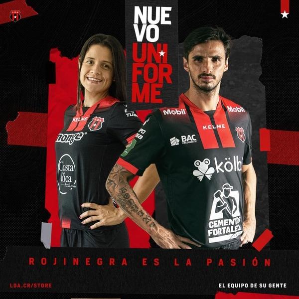 Así es la camisa que utilizarán a partir de este momento los equipos de Alajuelense. Fotografía: Prensa Alajuelense