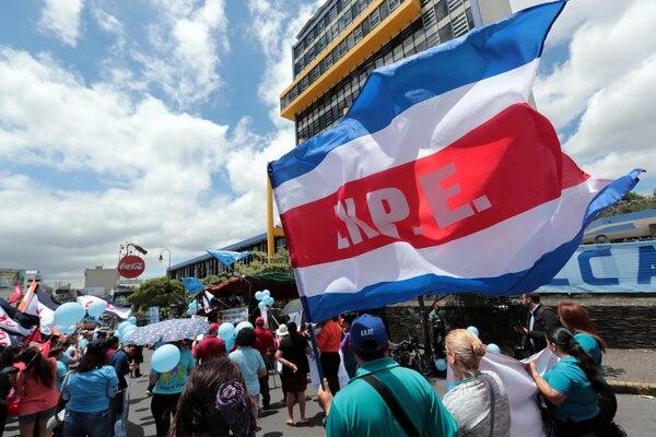 En junio, grupos sindicales protestaron por el aumento en el aporte laboral. Alonso Tenorio