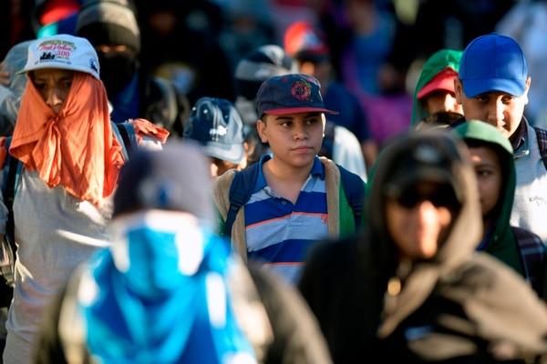 Un grupo de alrededor 200 salvadoreños iniciaron su camino hacia Estados Unidos el 16 de enero del 2019. Foto: AFP