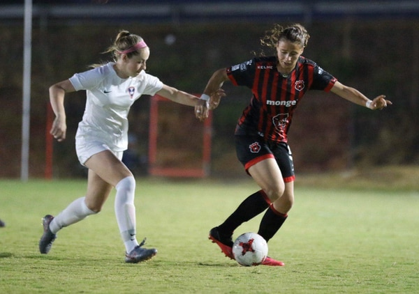 María Paula Salas es una de las futbolistas que refuerzan a la Liga. Fotografía: Rubén Murillo / Prensa Alajuelense