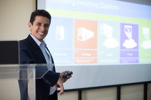 Erick Sosa, gerente de Office para Nuevos Mercados de Latinoamérica explicó que el objetivo del nuevo Office 2016 es mejorar la productividad y ofrecer facilidades para trabajo y estudio. | MICROSOFT PARA LN.