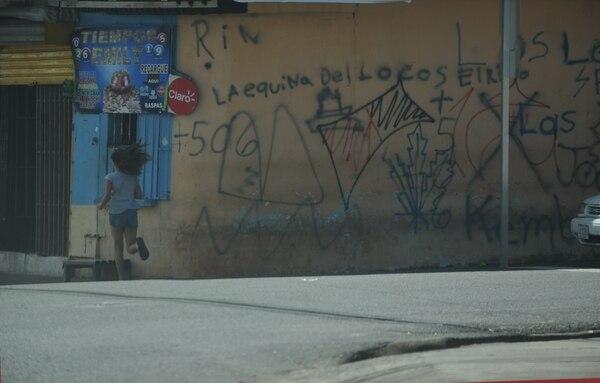 El ambiente en Llanos de Santa Lucía es tenso puesto que temen que en cualquier momento se suscite una balacera. Fotos: Jorge Navarro