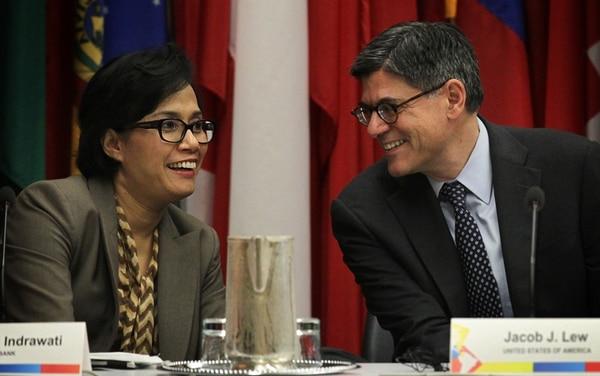 El secretario del Tesoro, Jacob Lew, y la directora del Banco Mundial, Sri Mulyani Indrawati. | AFP