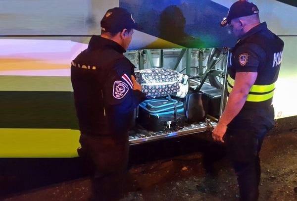 Los oficiales del Grupo de Apoyo Operacional ubicaron la maleta gracias a información confidencial.