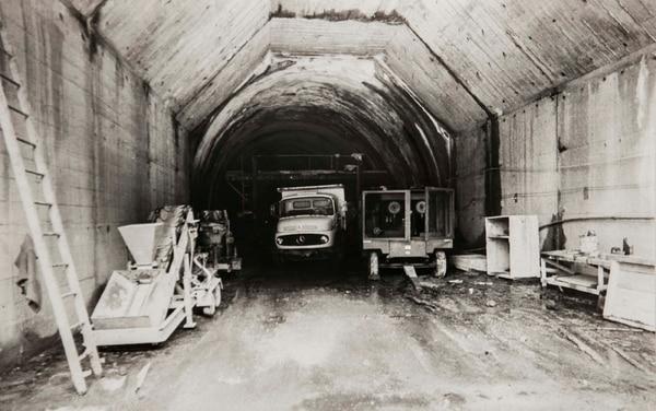 La construcción del túnel Zurquí se inició en 1979 y luego de varios tropiezos, se concluyó en agosto de 1984.
