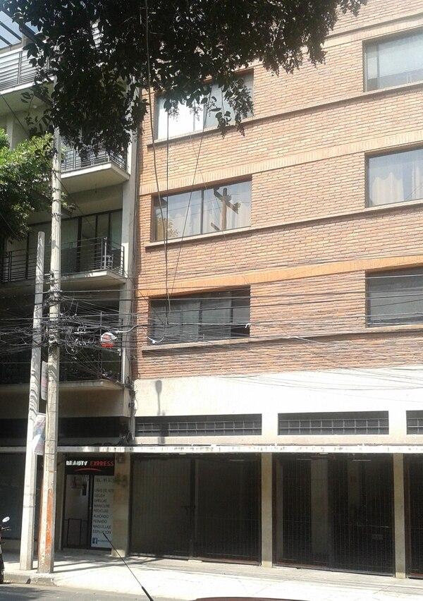 Primer domicilio de Eunice Odio en México ubicado en la calle Río Nazas 45, actual edificio de departamentos. Foto: Tomás Arias.
