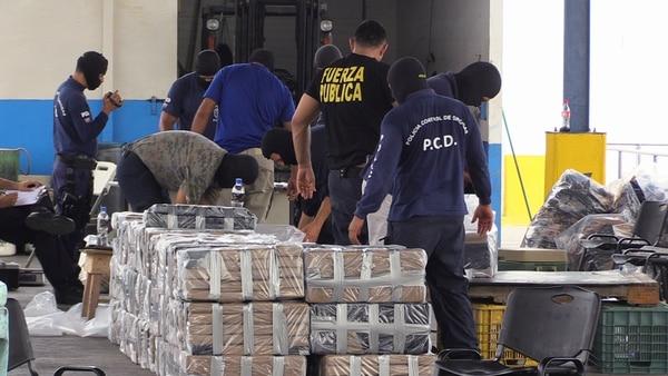 El informe estadounidense destaca la labor de Costa Rica en la incautación de cocaína durante el 2016, año en que se confiscaron 24,5 tonenadas de esa droga.   ARCHIVO.