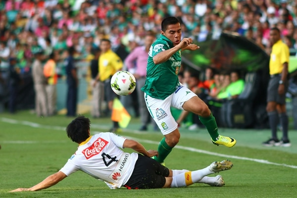 El mexicano Aldo Rocha supera a Cristian Montero.   CORTESÍA IMAGO 7