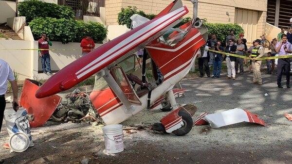 Avioneta con dos argentinos se estrelló en Pavas. Fotografía: Alonso Tenorio