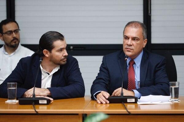 El empresario Juan Carlos Bolaños, importador de cemento, compareció en el Congreso en un careo con el funcionario del BCR, Guillermo Quesada.
