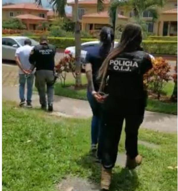 La Policía señala como líder de este grupo a un empresario de apellidos González Hernández. Este hombre, junto a su esposa, fue detenido en San Joaquín de Flores, Heredia. Foto de OIJ.