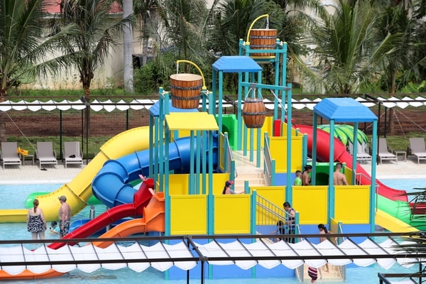 Splash Water World también cuenta con un área especial para niños. En la piscina se encuentra un tobogán para los más pequeños. Foto: John Durán.