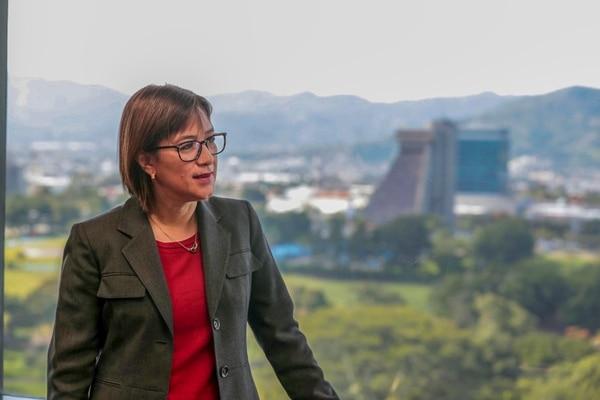 Hazel Cepeda Hodgson el pasado 13 de setiembre en las oficinas del centrales del ICE en Sabana Norte, San José. Foto: Alonso Tenorio