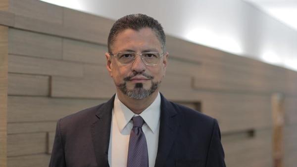 Rodrigo Chaves nuevo ministro de Hacienda.